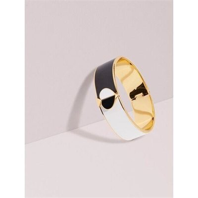 Fashion 4 - heritage spade bangle