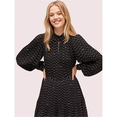 Fashion 4 - wavy dot blouse