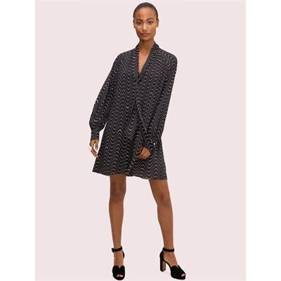 Fashion 4 - wavy dot shift dress