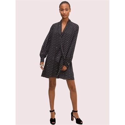 Fashion 4 - wavy dot shift dress