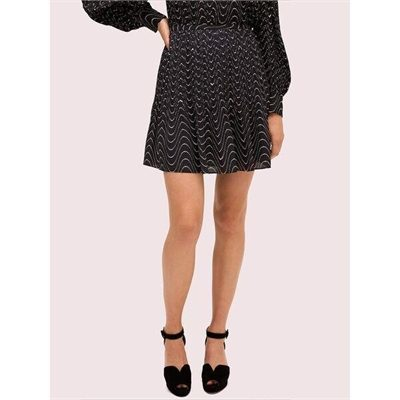 Fashion 4 - wavy dot skirt
