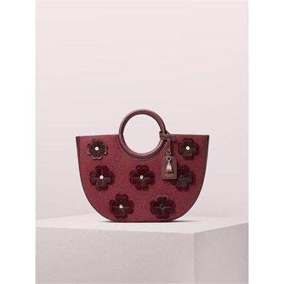 Fashion 4 - on purpose floral appliqué circle tote